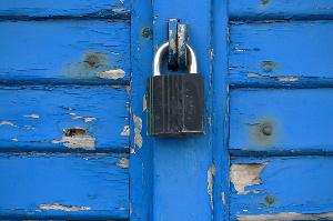 blueshuttersbyholstebro1199988_1-med