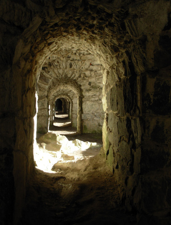 Cavebypaiviti780825_41651363-med
