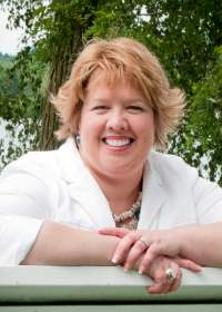 Lisa Olech, author of Picture Me Naked, a contemporary romance